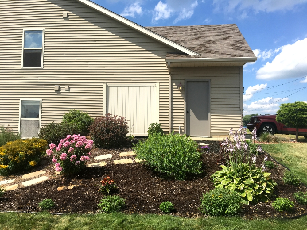 side-garden1