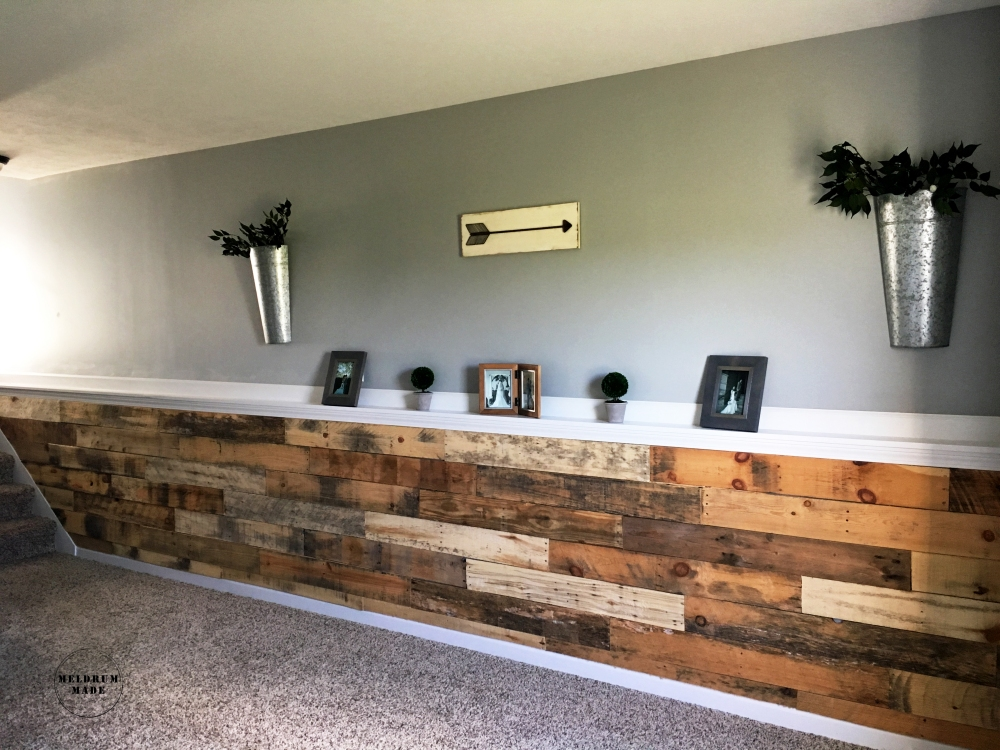 DIY Pallet Wall Tutorial - project completed for under $40!